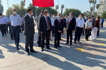 30-Ağustos-Zafer-Bayramının-98.-yıl-dönümünde-Mersin-Cumhuriyet-Meydanında-ebedi-Başkomutanımız-Mustafa-Kemal-Atatürkün-manevi-huzurunda-bulunduk.-5