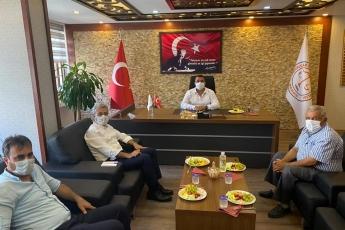 Mersin Pazarcılar Esnaf Odası Başkanı Abdulhalim BATUR'u ziyaret ettik, pazarcı esnafımızın sorunlarını dinledik, çözüm üretmek için görüş alışverişinde bulunduk. - 3