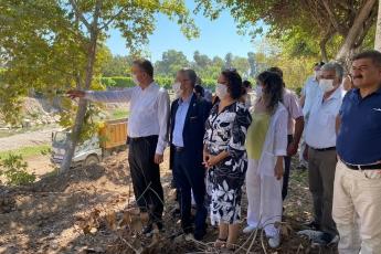 2020-08-14- Mersin'de Millet Bahçesi inşaatı için Müftü Deresi kenarındaki 100 yıllık ağaçlar kesildi. Doğa katliamı yaparak millete bahçe kurulmaz.  Mersin İl Başkanlığımızda konuyla ilgili basın açıklamamız. - 6