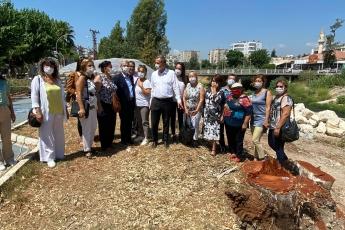 2020-08-14- Mersin'de Millet Bahçesi inşaatı için Müftü Deresi kenarındaki 100 yıllık ağaçlar kesildi. Doğa katliamı yaparak millete bahçe kurulmaz.  Mersin İl Başkanlığımızda konuyla ilgili basın açıklamamız. - 8