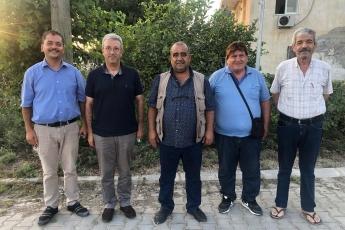 Tarsus Yeşil Mahalle Muhtarımız Emrah Kara , Şahin Mahallesi Muhtarımız Hüseyin Aydın ile birlikte Mantaş Mahallesi Muhtarımız Yusuf Başböyük'e  taziye ziyaretinde bulunduk
