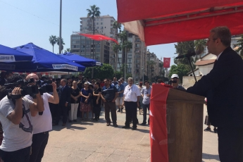 Mersin Cumhuriyet Meydanında CHP İl Başkanlığının 30 Ağustos Zafer Bayramı Çelenk Koyma Töreni ve Kutlamalarına Katılımımız.-04