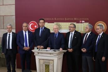 10 Aralık Dünya İnsan Hakları Günü'nde İstanbul Milletvekilimiz Prof. Dr. İbrahim Özden KABOĞLU Öncülüğünde CHP'li Milletvekillerimiz  İle Birlikte TBMM'de Yapılan Basın Açıklamasına Katılımımız.