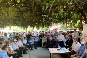 Mersin Büyükşehir Belediye Başkanımız Vahap Seçer, Milletvekilimiz Ali Mahir Başarır, İl Başkanımız Adil Aktay, İlçe Başkanımız Ozan Varal ile birlikte Tarsus İlçemizde vatandaşlarımızla bir aradayız. - 8