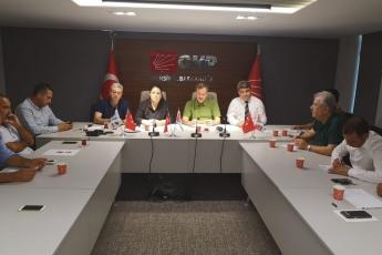 CHP Mersin İl Başkanlığında, İl Yöneticilerimiz, PM üyemiz, İlçe Başkanlarımız ve Milletvekilerimiz  ile Toplantıya Katılımımız-01
