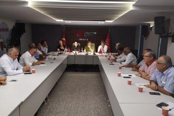 CHP Mersin İl Başkanlığında, İl Yöneticilerimiz, PM üyemiz, İlçe Başkanlarımız ve Milletvekilerimiz  ile Toplantıya Katılımımız-02