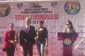 Mezitli belediyesi ve Mezitli Soroptimist Kulübü Tarafından Düzenlenen 29 Ekim Cumhuriyet Kupası Tenis Turnuvası Kupa Törenine Katılımımız-02