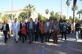 Cumhuriyet Meydanı CHP İl Başkanlığı 29 Ekim Cumhuriyet Bayramı Çelenk Koyma Töreni ve Cumhuriyet Yürüyüşüne Katılımımız-03
