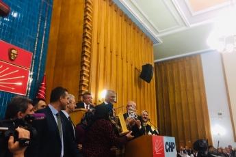 'Kadın Üretici Pazarı' Projesi İle Uluslararası Milan Paktı Ödülüne Layık Görülen Mersin Mezitli Belediye Başkanımız Neşet Tarhan ve Kadın Üreticilerimiz İle Birlikte TBMM'de CHP Grup Toplantısına Katılımımız.-02