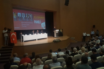 Genel Başkan Yardımcımız ve Milletvekilimiz Yunus Emre, İstanbul Milletvekilimiz İbrahim Kaboğlu, İl Başkanımız Adil Aktay, Parti Örgütümüz ve Kültür Eski Bakanımız Ercan Karakaş ile birlikte 'Acil Demokrasi' paneline katılımımız.-01