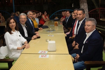 Mersin Büyükşehir Belediyemizin Öncülüğünde, Tarsus'ta Bu Yıl 3. Kez Düzenlenen Gastronomi Günleri'nin ikinci Gününün Akşam Yemeğine Katılımımız.-01