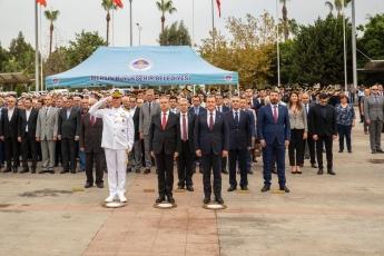 Mersin Cumhuriyet Meydanı'nda, 29 Ekim Cumhuriyet Bayramı'nın 96. Yılı Kutlama Etkinlikleri Kapsamında Çelenk Koyma Törenine Katılımımız. -01