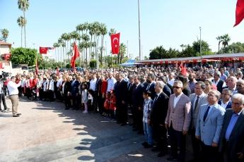 Mersin Cumhuriyet Meydanında CHP Mersin İl Örgütü İle 29 Ekim Cumhuriyet Bayramı'nın 96. Yılı Kutlama Etkinliklerine Katılımımız.-07