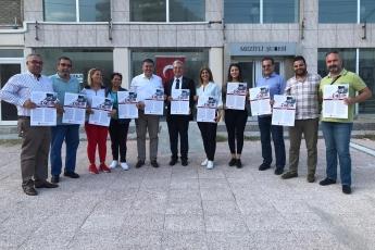 İstiklal Marşımızın Basılı Olduğu Broşürlerin CHP Mezitli İlçe Örgütümüz İle Birlikte Esnaf ve Halkımıza Dağıtımına Katılımımız.-01