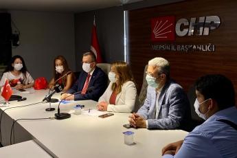Mersin İl Başkanlığımızda Genel Başkan Yardımcımız Sayın Gülizar Biçer Karaca, İl Başkanımız Sayın Adil Aktay ve örgütümüzle birlikte çocuk istismarı ve hak arayan aileler ile ilgili basın toplantısı düzenledik - 1