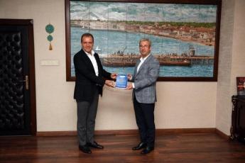 Vekilim Bizim İçin Ne yaptın?  II - kitabımızı sayın Büyük Şehir Belediye Başkanımız Vahap Seçer'e takdim ettim.