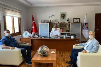 Değerli Yenişehir Belediye Başkanımız Abdullah Özyiğit'in kaybettiği kıymetli annesi için taziye ziyaretinde bulunduk.