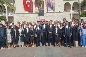 Mersin Barosu 2018-2019 Adli Yıl Açılışı, Cumhuriyet Meydanı Atatürk Anıtına Çelenk Koyma Törenine Katılımımız.