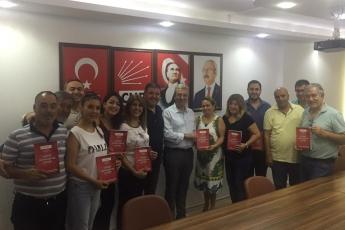 Mersin CHP Mezitli İlçe Örgütümüzü Ziyaret Ederek, Bir Yıllık Çalışmalarımızı İçeren Kitabımızı Takdimimiz.