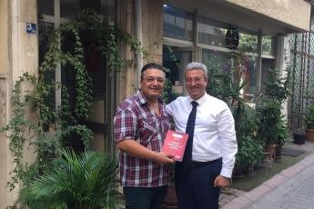 Mersin Hamidiye Mahalle Muhtarımız Sayın Hamit Sor'u Ziyaret Ederek, Bir Yıllık Çalışmalarımızı İçeren Kitabımızı Takdimimiz.