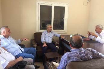 CHP Tarsus İlçe Başkanımız Ali İlk İle Birlikte Tarsus Barbaros Mahallesi Muhtarımız Salih Başkan'ı Ziyaret Ederek, Bir Yıllık Faaliyetlerimizi İçeren Kitabımızı Takdimimiz.-01