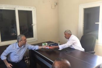 CHP Tarsus İlçe Başkanımız Ali İlk İle Birlikte Tarsus Barbaros Mahallesi Muhtarımız Salih Başkan'ı Ziyaret Ederek, Bir Yıllık Faaliyetlerimizi İçeren Kitabımızı Takdimimiz.-02