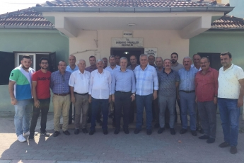 CHP Tarsus İlçe Başkanımız Ali İlk İle Birlikte Tarsus Barbaros Mahallesi Muhtarımız Salih Başkan'ı Ziyaret Ederek, Bir Yıllık Faaliyetlerimizi İçeren Kitabımızı Takdimimiz.-03