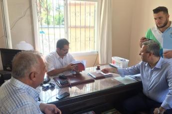CHP Tarsus İlçe Başkanımız Ali İlk İle Birlikte Tarsus Yeşil Mahallesi Muhtarımız Emrah Kara'yı Ziyaret Ederek, Bir Yıllık Faaliyetlerimizi İçeren Kitabımızı Takdimimiz.-01