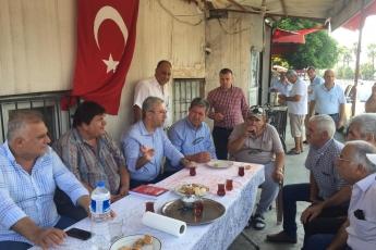 CHP Tarsus İlçe Başkanımız Ali İlk ile Birlikte Tarsus Şahin Mahallesi Muhtarımız Hüseyin Aydın'ı Ziyaret Ederek, Bir Yıllık Faaliyetlerimizi İçeren Kitabımızı Takdimimiz.-02