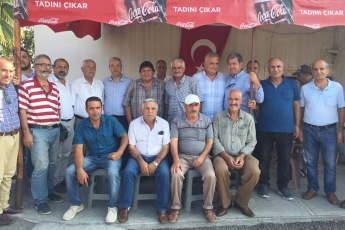 CHP Tarsus İlçe Başkanımız Ali İlk ile Birlikte Tarsus Şahin Mahallesi Muhtarımız Hüseyin Aydın'ı Ziyaret Ederek, Bir Yıllık Faaliyetlerimizi İçeren Kitabımızı Takdimimiz.-03