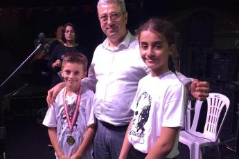 Tarsus Musalla'da Satranç Turnuvasında Ödül Kazanan Çocuklara Ödüllerini Vermemiz.-02