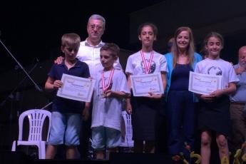 Tarsus Musalla'da Satranç Turnuvasında Ödül Kazanan Çocuklara Ödüllerini Vermemiz.-03