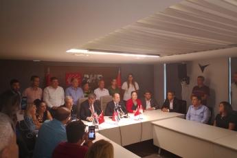 CHP PM Üyemiz ve İstanbul Milletvekilimiz Sayın M.Akif Hamzaçebi'nin Ekonomideki Gelişmelere İlişkin CHP Mersin İl Başkanlığımızda Düzenlediği Basın Toplantısına Katılımımız.-01