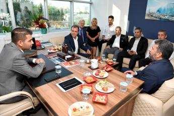 Mersin'de Büyükşehir Belediye Başkanımız Vahap Seçer İle Birlikte Avukat Yiğit Gökbel'in Avukatlık Bürosu Açılışına Katılımımız.-02