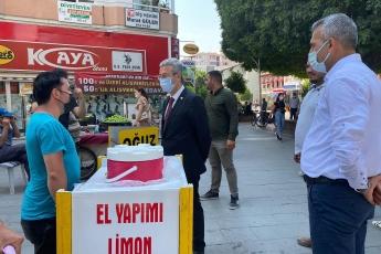 Tarsus'ta ilçe yöneticimiz ve ilçe gençlik örgütümüzle esnaflarımızla ve vatandaşlarımızla buluştuk.