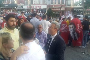 Kesin Olmayan Seçim Sonucu Açıklamasından Sonra CHP Sultanbeyli İlçe Binası Önündeyiz.