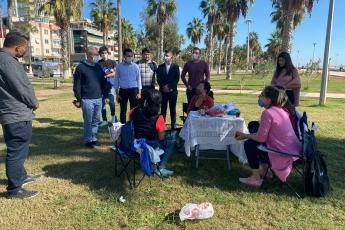 Mersin İl Gençlik Kolları Başkanımız Alkım Sümer ve üyelerimizle Pazar sabahına merhaba dedik. Hep birlikte Mersin sokaklarında vatandaşlarımızla biraradayız.
