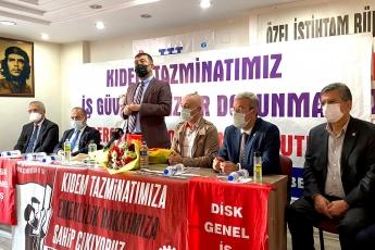 Ülkemizi ekonomik çıkmazdan ve karanlıktan kurtaracak olan partimizin Ekonomi Masası Mersin'de. İl Başkanlığımızda yapılan açıklama sonrası Atatürk Kültür Merkezi'nde demokratik kitle örgütü temsilcileriyle biraraya geldik.