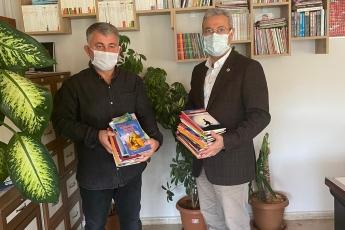 Mersin'de Aziz Muhtarımızı Ziyaret Ederek Çocuklar İçin Kurmuş Olduğu Kütüphanesine Katkıda Bulunduk