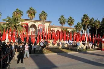 Cumhuriyet Meydanında ve Kültür Merkezinde İcra Edilen 10 Kasım Törenine Katılımımız-01