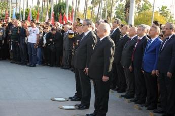 Cumhuriyet Meydanında ve Kültür Merkezinde İcra Edilen 10 Kasım Törenine Katılımımız-03