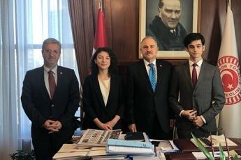 İstanbul Amerikan Koleji Öğrencilerinin Türk Parlamentosu Projesi İçin TBMM de Ziyaretleri-02