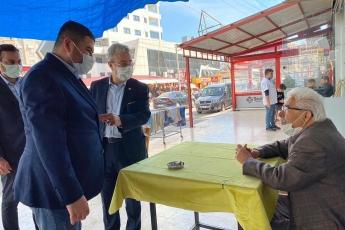 Mezitli İlçe Başkanımız Ahmet Serkan Tuncer, Kadın Kolları Başkanımız Aslı Tuğçe Çalışkan ve İlçe Yöneticilerimizle Birlikte Kuyuluk Caddemizde esnaflarımızı ziyaret ederek, Genel Başkanımız Kemal Kılıçdaroğlu'nun önderliğinde, iktidarımızın ilk haftasında esnafımıza yönelik yapacağımız çalışmaları anlattık.