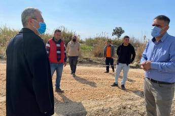 Mersin Büyükşehir Belediyemiz hız kesmeden çalışmaya devam ediyor. Kazanlı sahil yolundaki çalışmalarını yerinde inceledik.