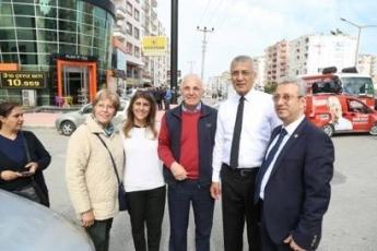 Mezitli Belediye Başkanı ve Adayımız Neşet TARHAN ile GMK Bulvarında Esnaf Ziyaretine Katılımımız.-07