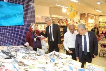 Mezitli Belediye Başkanı ve Adayımız Neşet TARHAN ile GMK Bulvarında Esnaf Ziyaretine Katılımımız.-10