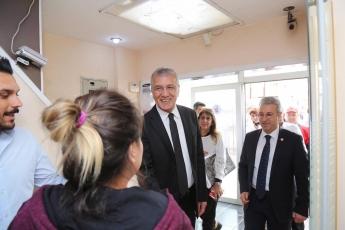 Mezitli Belediye Başkanı ve Adayımız Neşet TARHAN ile GMK Bulvarında Esnaf Ziyaretine Katılımımız.-11