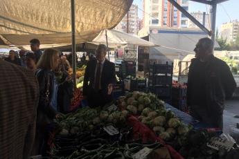 Yenişehir Belediye Başkan Adayımız Abdullah ÖZYİĞİT ile Birlikte Batıkent Semt Pazarı Ziyaretine Katılımımız.-04