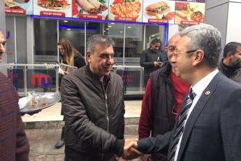 Mersin Büyükşehir Belediye Başkan Adayımız Vahap SEÇER ile Tarihi Zafer Çarşısı Esnafları Ziyaretine Katılımımız.-03