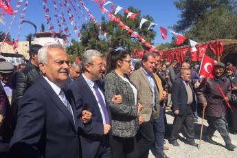 Mersin Belediye Başkan Adayımız Vahap SEÇER,Mut Belediye Başkan Adayımız Mehmet SAYDAM ve CHP'li Partililerimizle Hükümet Caddesi Esnaf Gezisine Katılımımız.-02